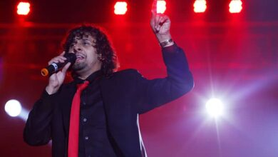 Photo of Sonu Nigam is not disturbed by Azaan; trolled for old tweets