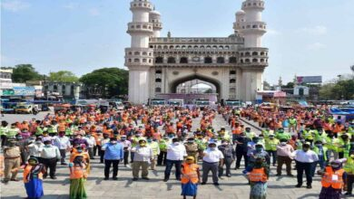 Photo of GHMC sanitation staff take a pledge to keep Hyderabad clean