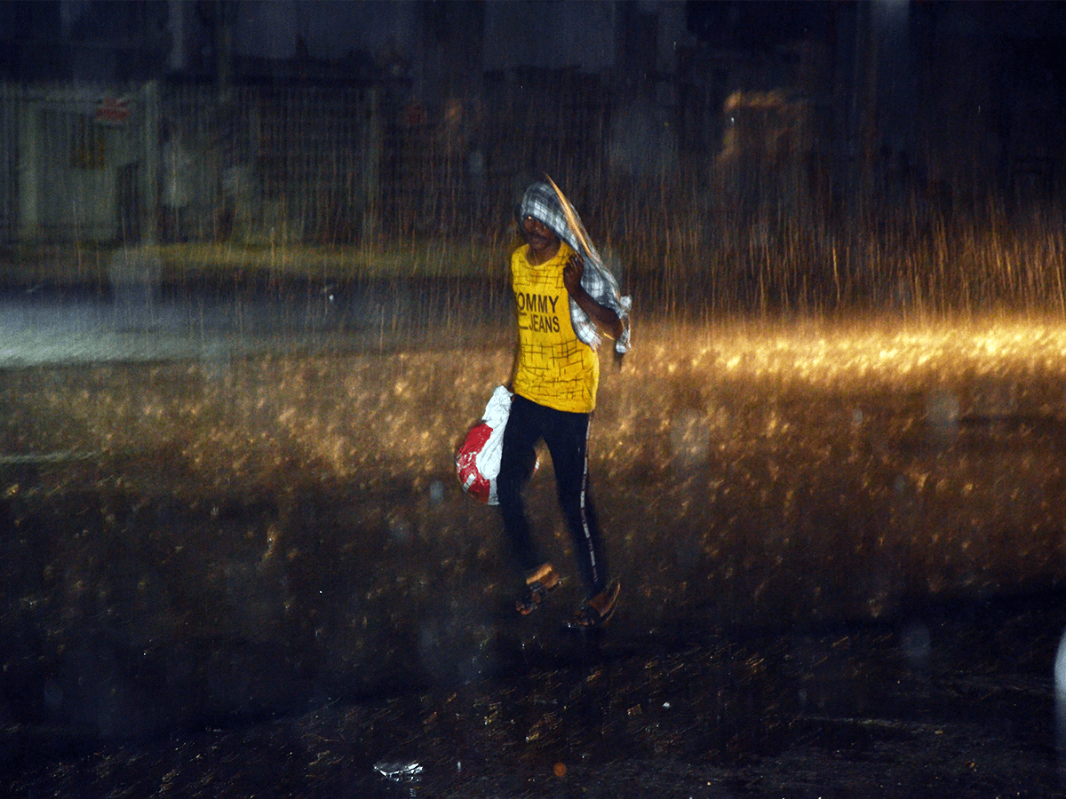 Heavy rain, thunderstorms arrive late evening in Hyderabad
