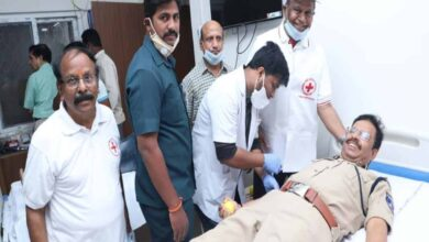 Photo of Cyberabad police donate blood for Thalassemia patients