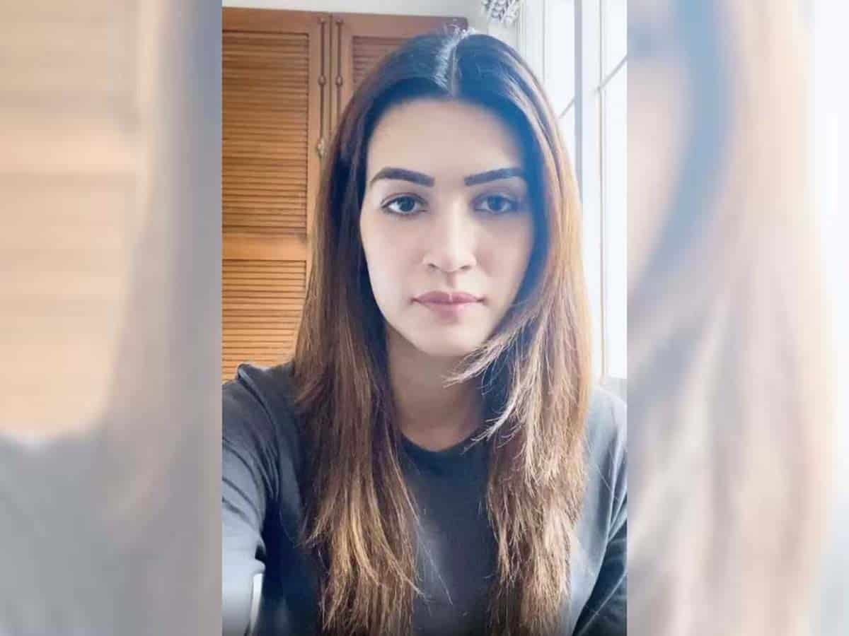 Kriti Sanon recites self-penned poem against domestic violence