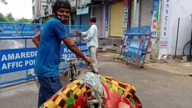 Photo of Hyderabad: Man carries body on cycle amid lockdown