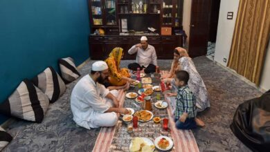 Photo of Scholars ask rozedaar's to pray during iftar; don't waste time