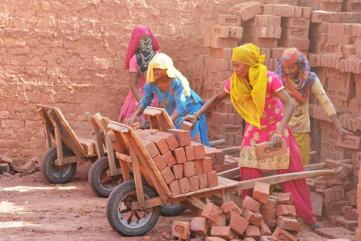 Welfare Party of India condemns rolling back of labour laws