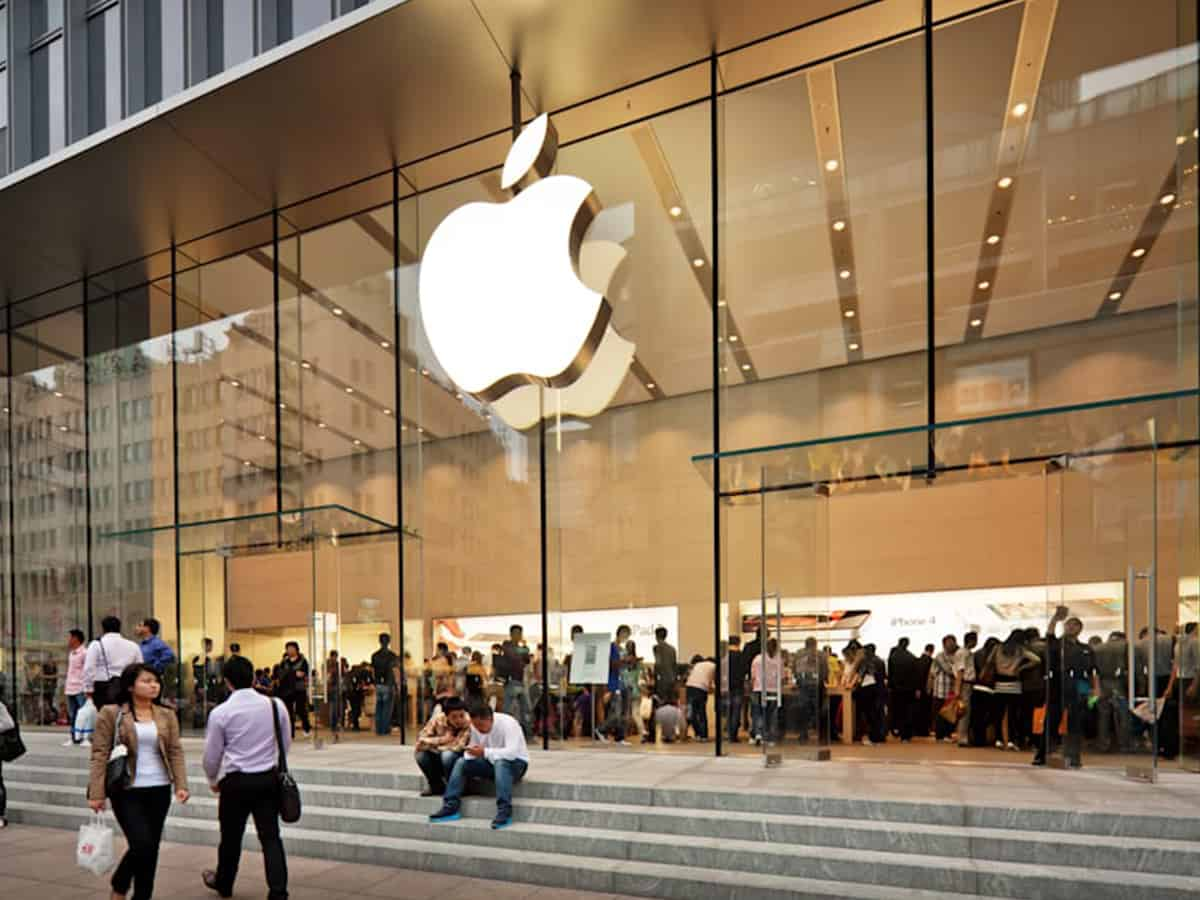 Apple may launch affordable iPad, iPad mini with bigger screens