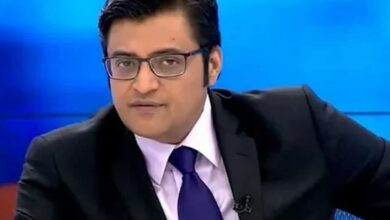Photo of 'Apologise with folded hands on TV': Shiv Sena to Arnab Goswami