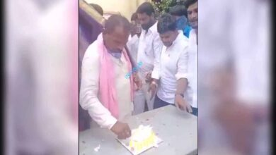 Photo of Chevella TRS MLA celebrates b'day with villagers amid lockdown