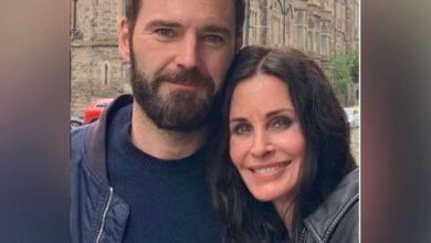 Photo of Courteney says 'it's been hard' without boyfriend Johnny McDaid