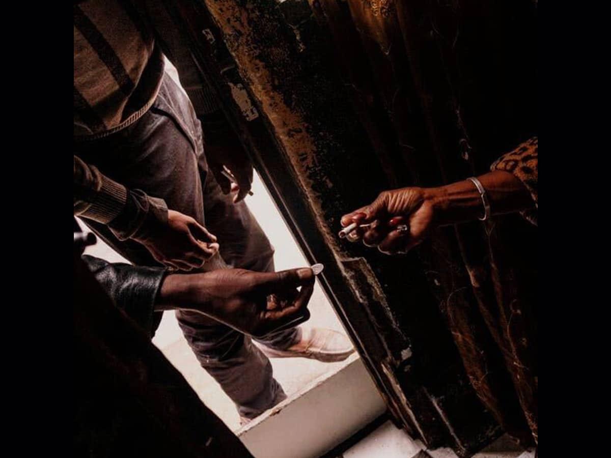 Cigarettes sellers making a killing in black market