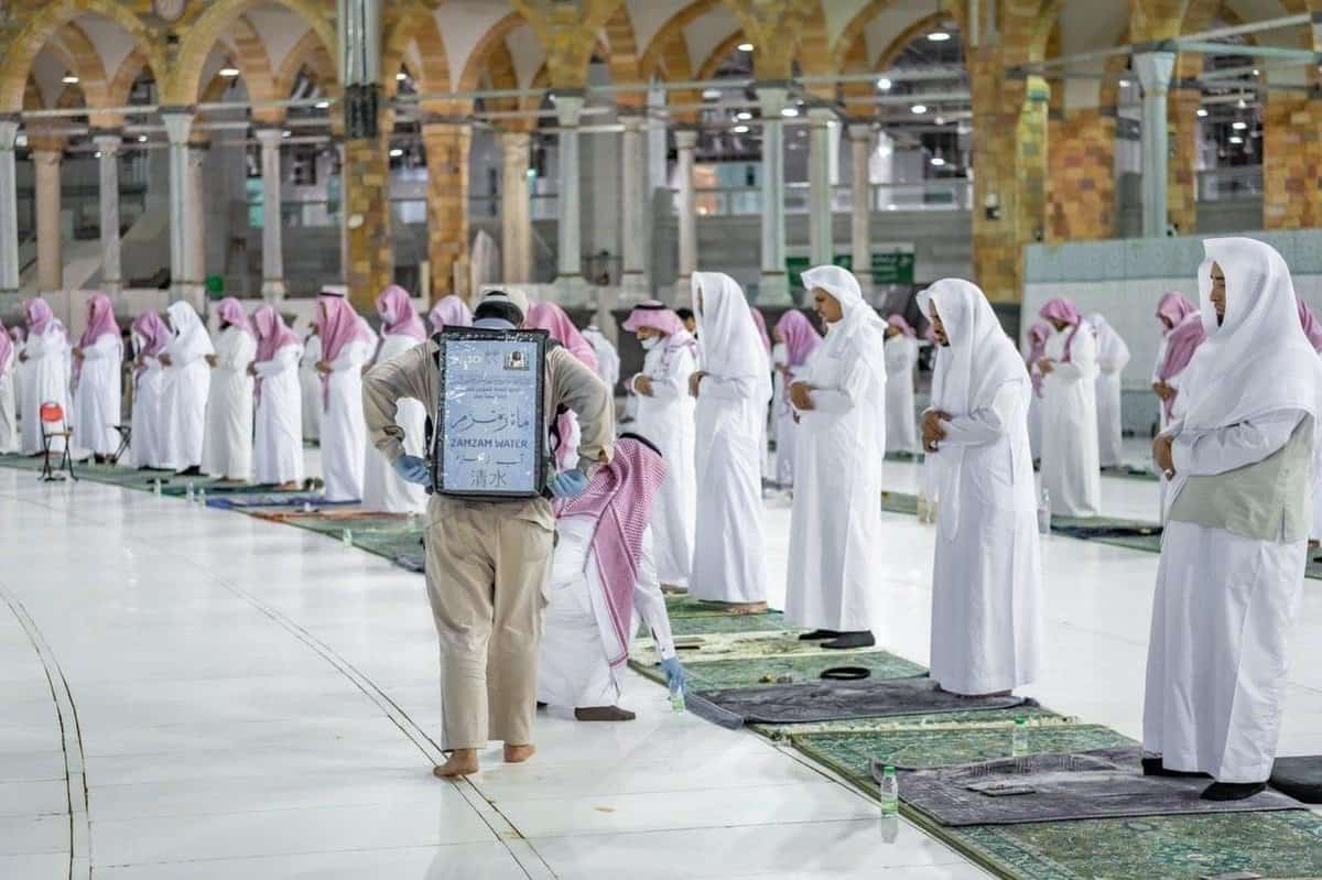 Images from 27 Ramadan 1441 Tarawih Prayer in Al Masjid Al Haram