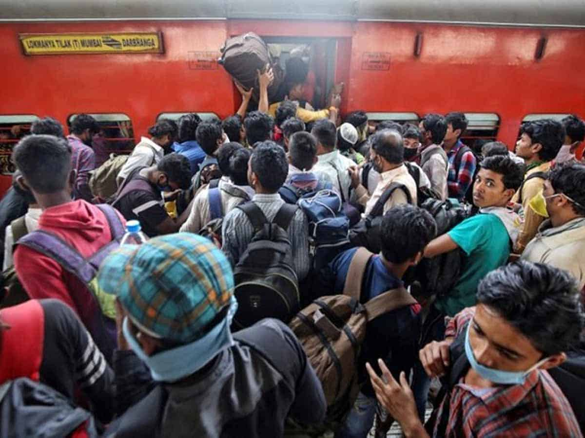 1st train with 1,200 poor migrants leaves TS for Jharkhand