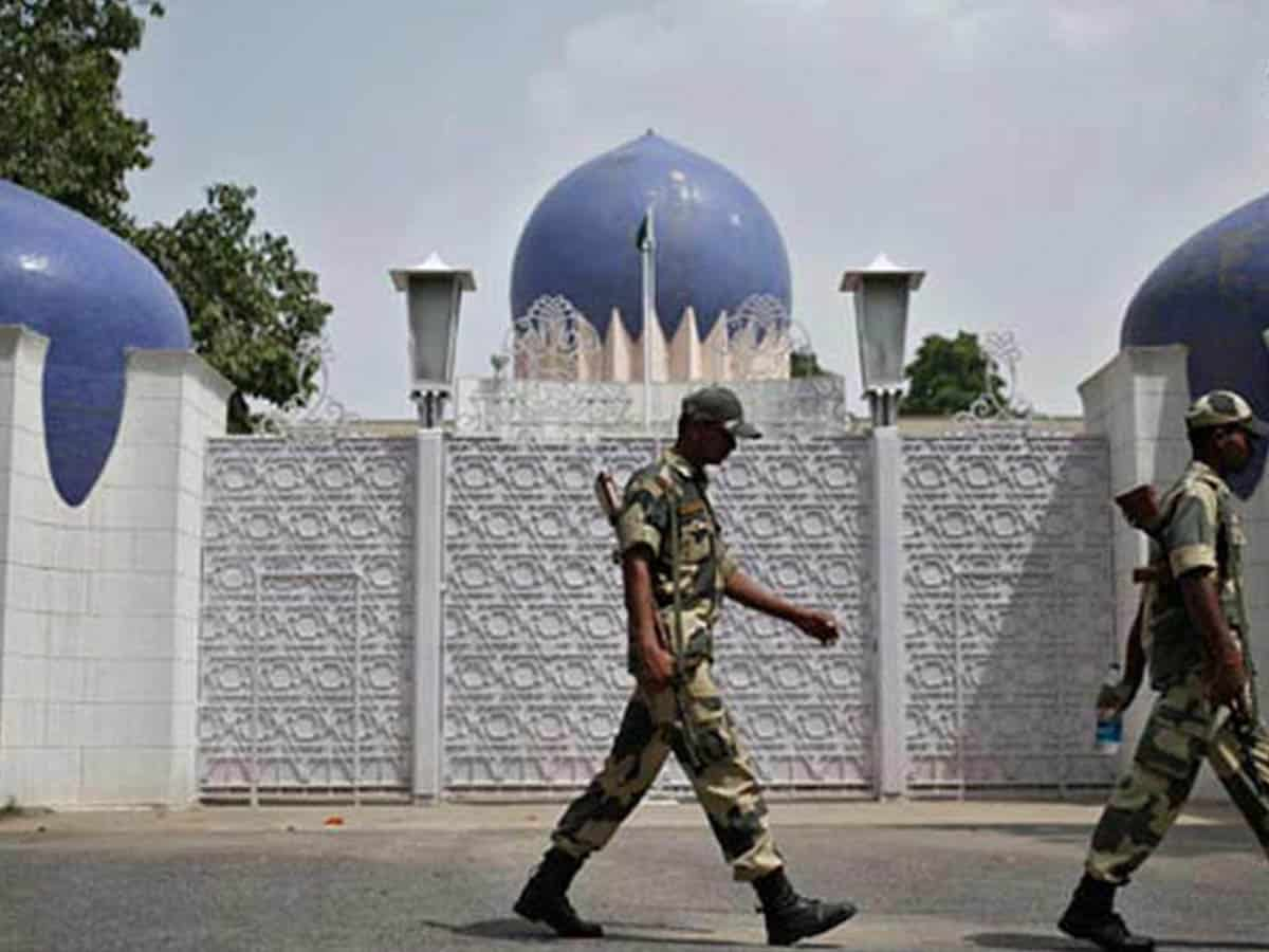 India expels two Pakistan officials on charges of espionage