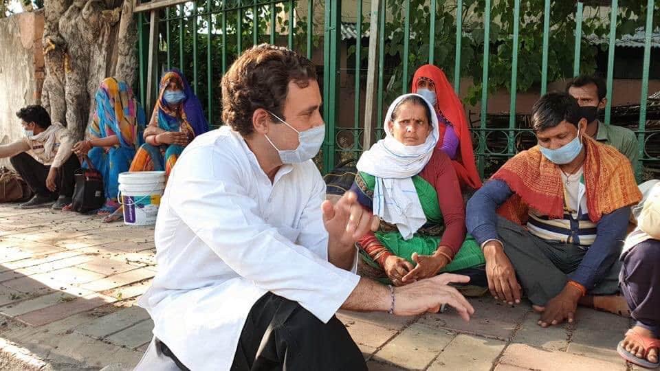 Congress chief Rahul Gandhi meet migrants