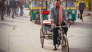 Photo of Man paddles 1,350km on rickshaw to reach home