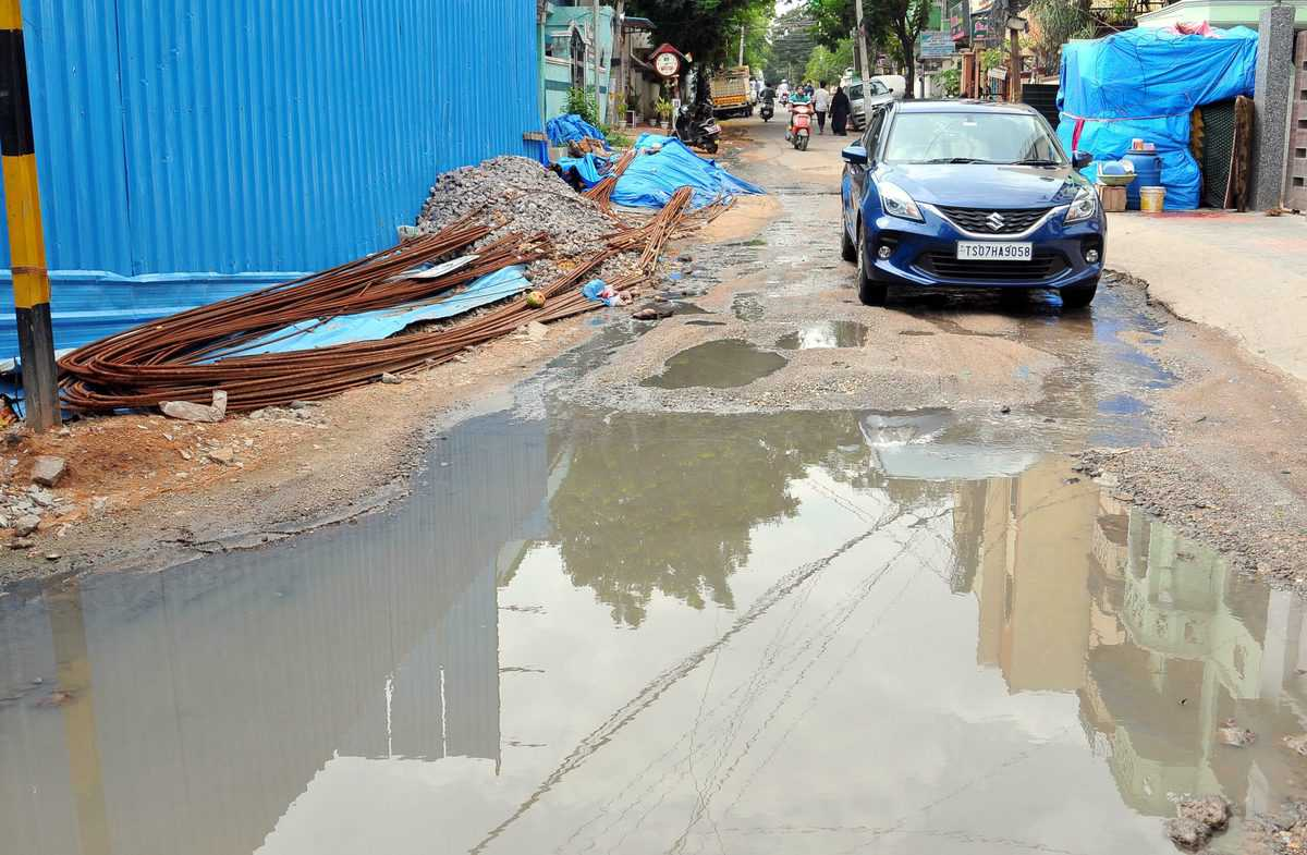 City officials not fixing sewage problems in Tolichowki
