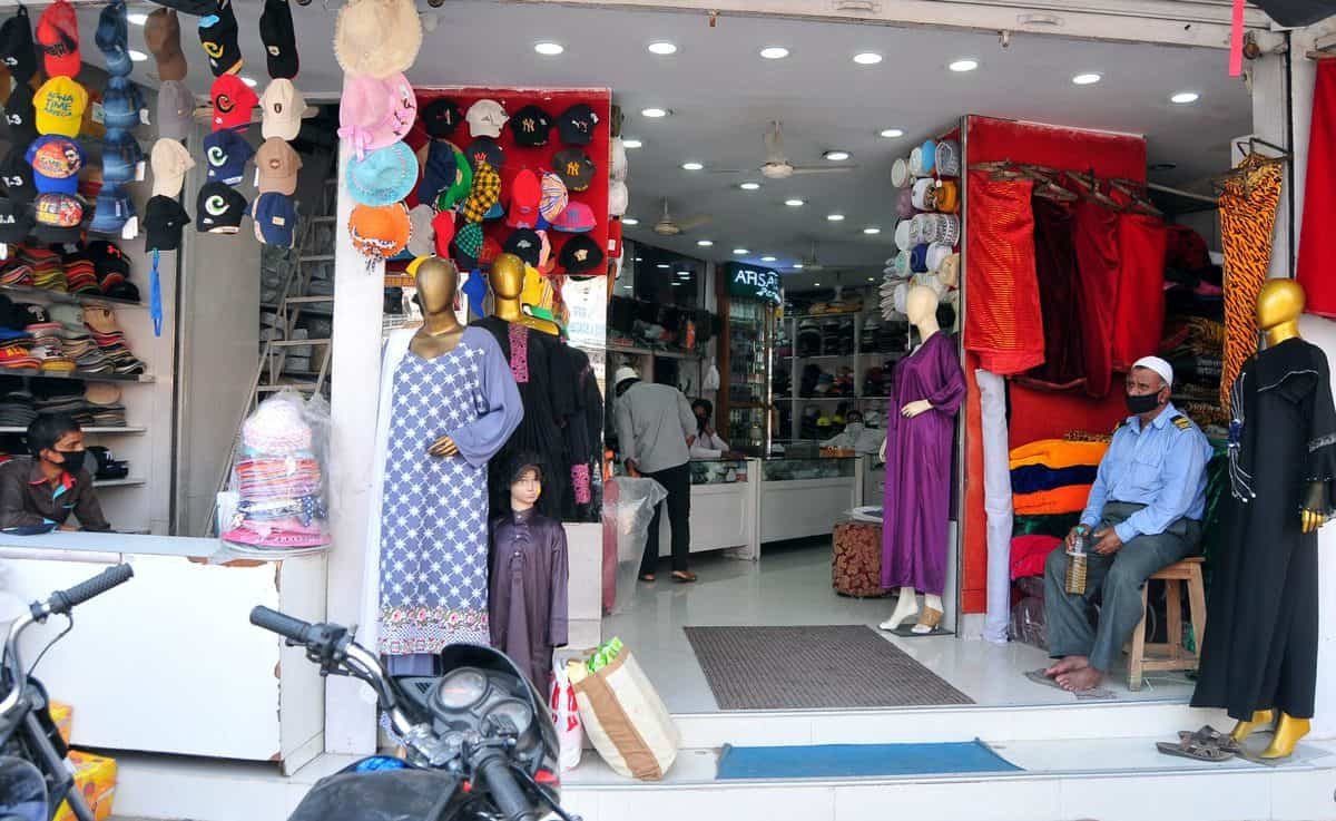 Hyderabad Shops Amid Lockdown