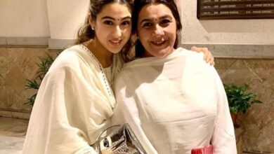 Sara thanks her 'maa ki maa' for creating her 'mommy'