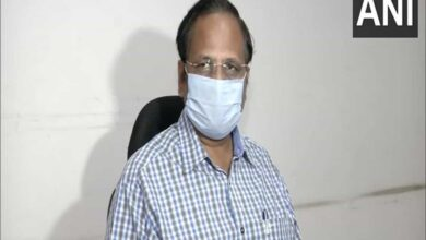 Photo of 20 deaths, 359 more COVID-19 cases in Delhi