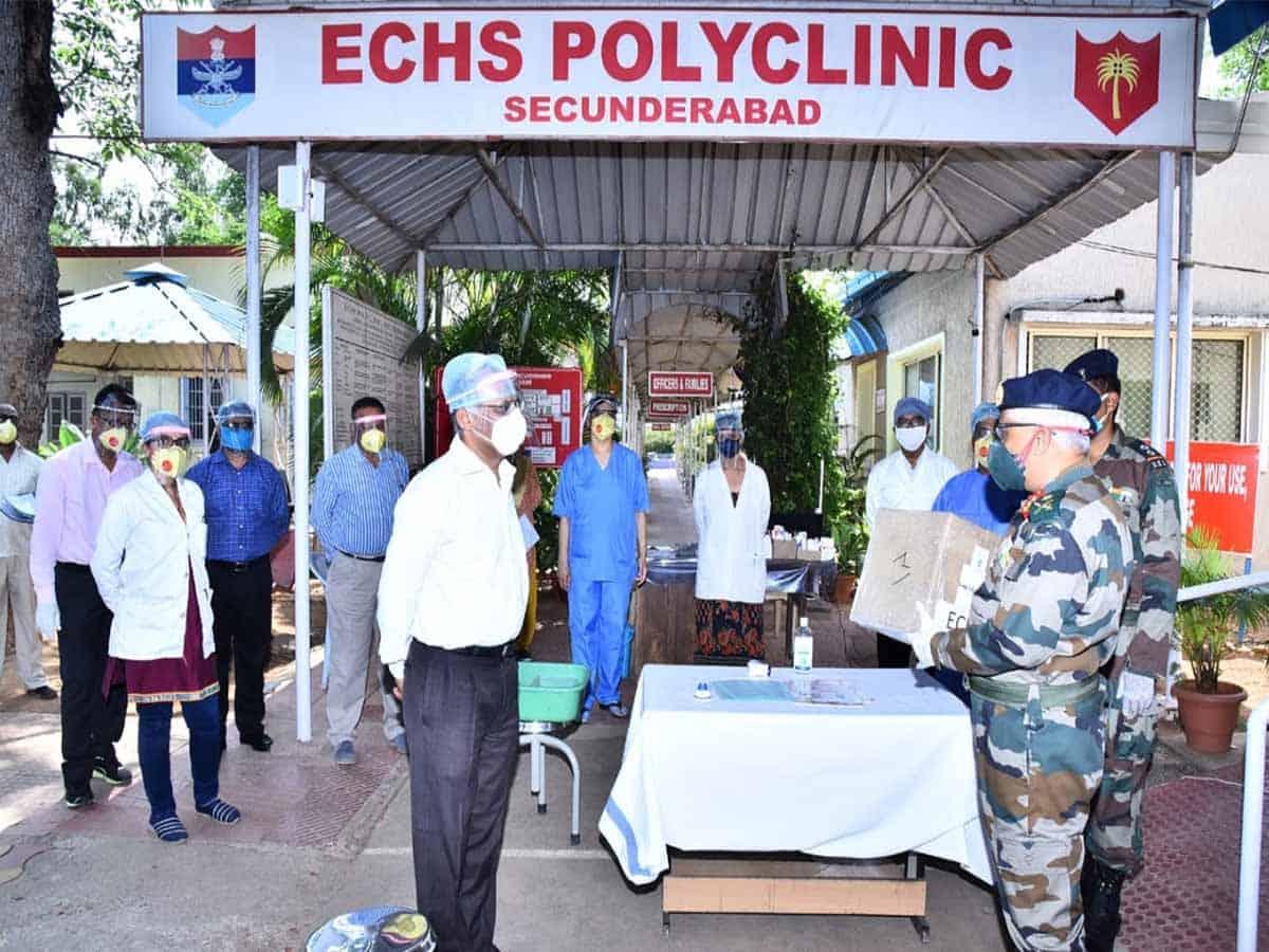 MCEME commandant presents N-99 masks to Military Hospital
