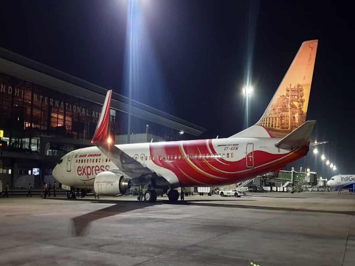 Stranded Indians return home; 175 Indians arrive from Bahrain