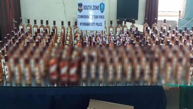 Photo of Hyderabad: 2 nabbed for selling liquor in house