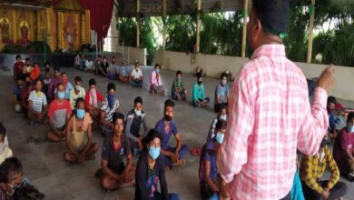 Photo of To spread awareness among migrants, police gives counseling