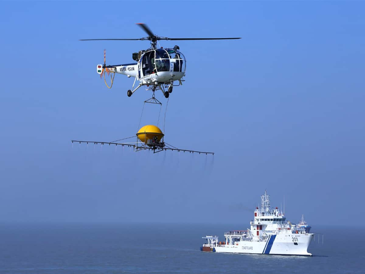 Indian Coast Guard joins the nation to thank COVID-19 warriors