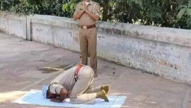 Photo of UP: Cops join in prayers, display communal harmony