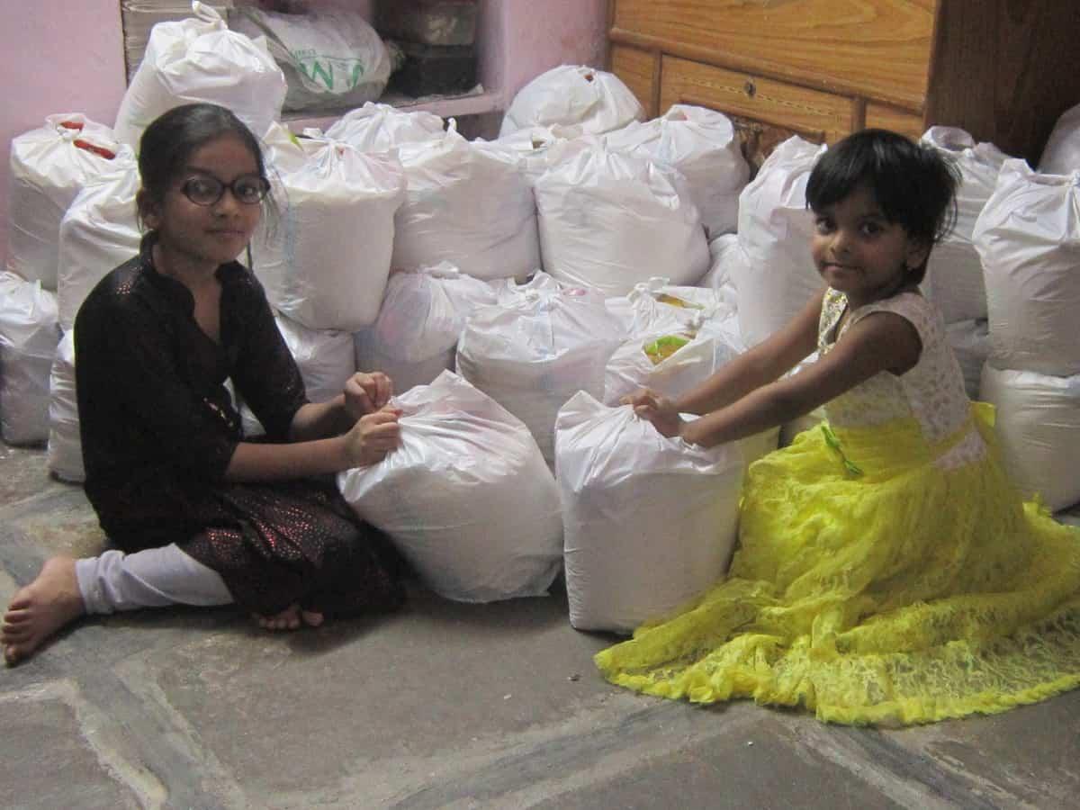 Hyderabadi sisters break piggy bank to feed poor amid lockdown