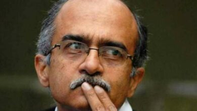 Photo of SC grants protection to Prashant Bhushan in 'Gujarat FIR' case