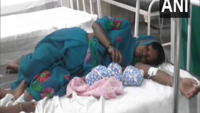 Photo of Migrant worker delivers baby on road, walks another 150 km