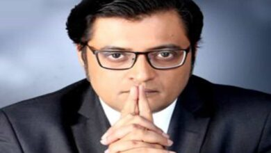 Photo of Arnab Goswami interrogated by Mumbai police in provocation case