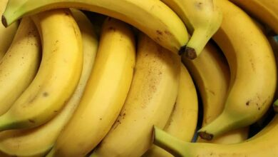 Photo of Lockdown impact: Jobless teacher forced to sell bananas