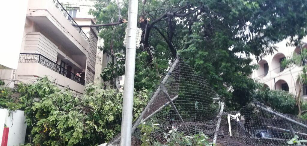 हैदराबाद में हुई जमकर बारिश, सड़कों पर हुआ जलभराव 3