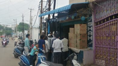 Photo of Hyderabadis rush to stock up on tobacco with looming lockdown