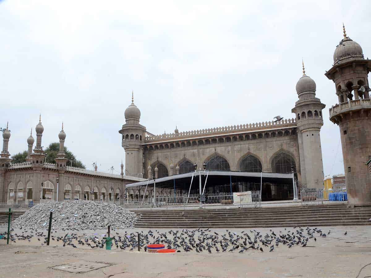 Makkah Masjid deserted on Friday amid coronavirus outbreak in Hyderabad. Photo: Mohammed Hussain