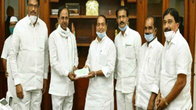 Photo of KCR doesn't wear face mask properly, only Telanganites do
