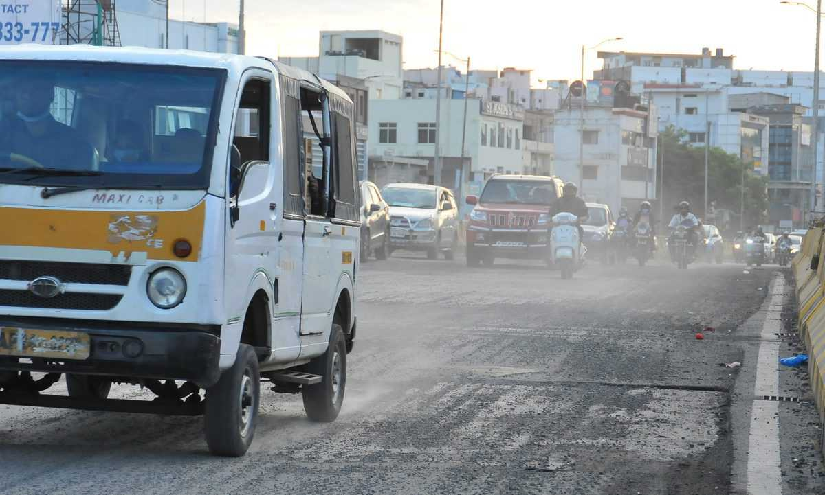 Tolichowki roads troublesome for pedestrians and vehicles