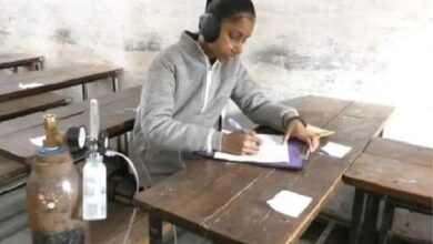 Photo of Sat for exams with oxygen cylinder, UP's Safia Javed secures 69%