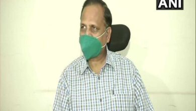 Photo of Delhi Minister Jain responding to treatment