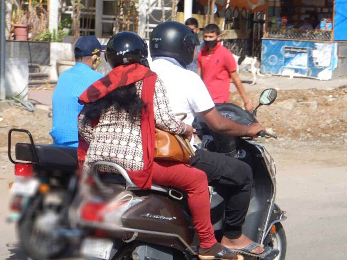 Hyderabad: Four women pillion riders die in the past two days