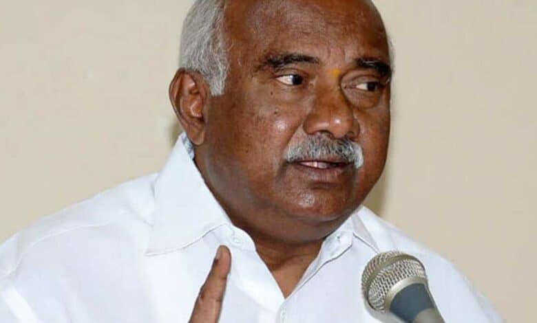 Karnataka: Ditched by BJP, Vishwanath is adrift