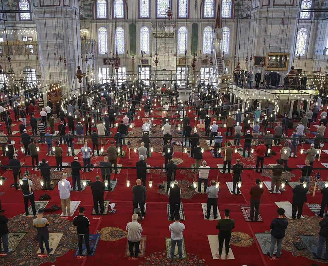 Mass  Friday prayers in Turkey for the first time since March 16