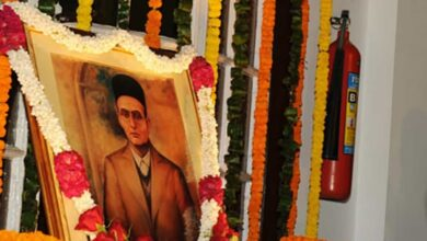 Photo of K'taka decides to honour Savarkar, a collaborator with British, ML