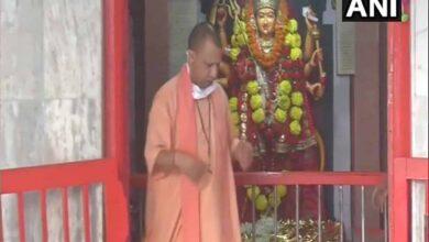 Photo of Yogi Adityanath offers prayers at Gorakhnath Temple