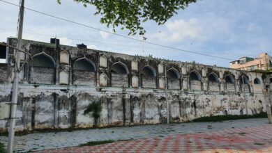 Photo of Hyderabad's first hospital built in 1595, Dar-ul-Shifa, still standing