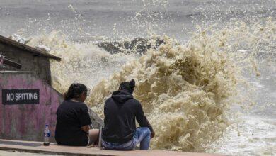 Photo of High tide in Mumbai amid rainfall