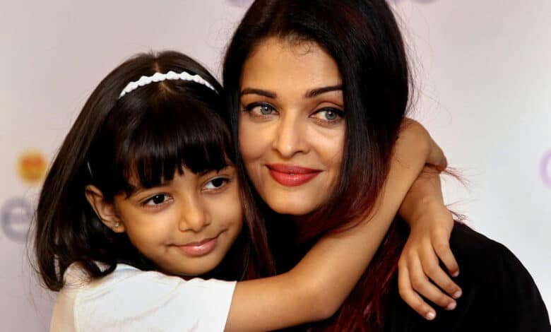 Bollywood actress Aishwarya Rai Bachchan poses with her daughter Aaradhya Bachchan
