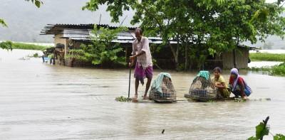 Assam flood situation improves, 16.55L still in distress
