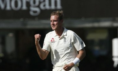 Broad takes leaf out of Warne's book to improve batting form